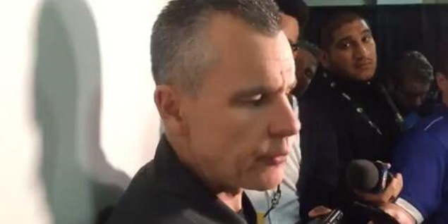 多诺万:休斯蒂斯表现不错,今天是团队胜利