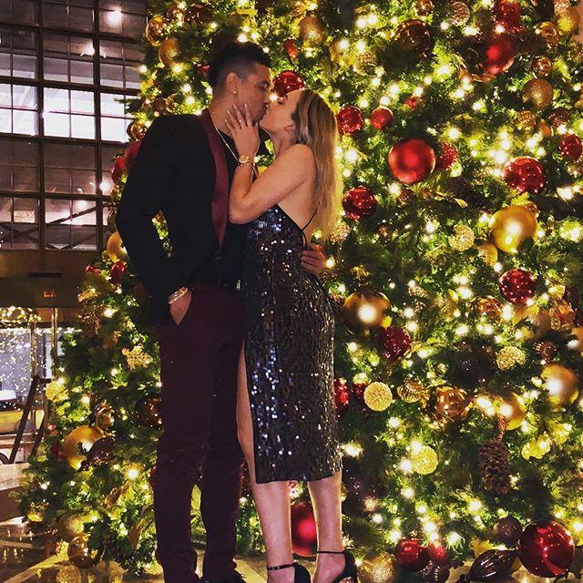 丹尼-格林晒拥吻照祝妻子生日快乐