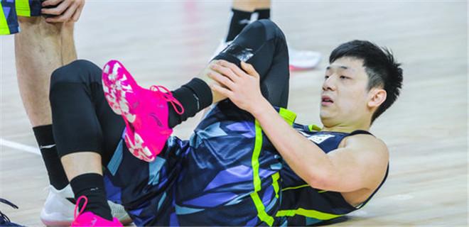 杨金蒙因左脚踝跟腱撕裂赛季报销