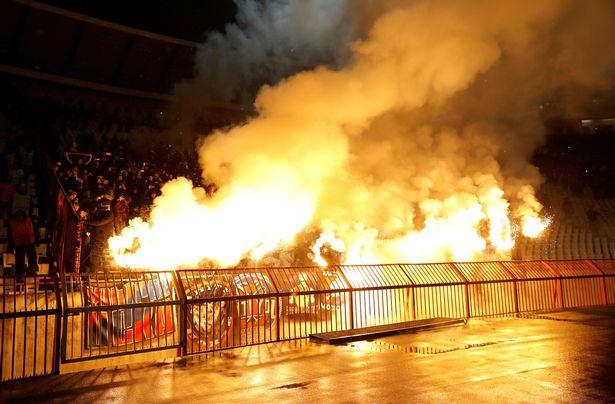 莫斯科中央陆军球迷欧联赛场上演烟火秀