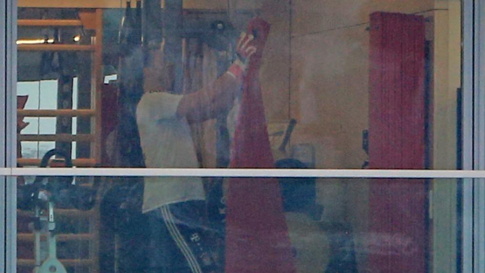 德媒:诺伊尔重新戴上手套训练,或在四月底回归