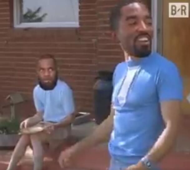 JR向助教撒汤遭禁赛,媒体发布恶搞视频
