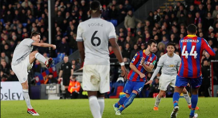 马蒂奇补时世界波绝杀,曼联客场两球落后3-2逆转水晶宫