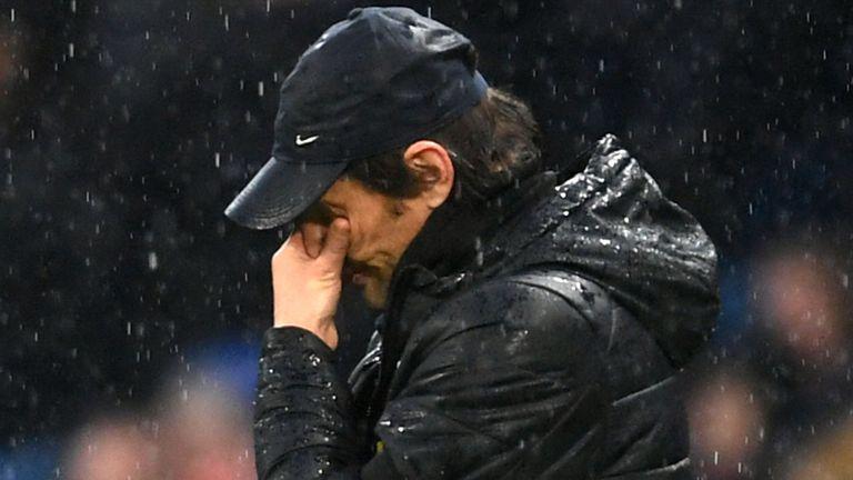 加里-内维尔、卡拉格:相信孔蒂自己也不满意球队表现