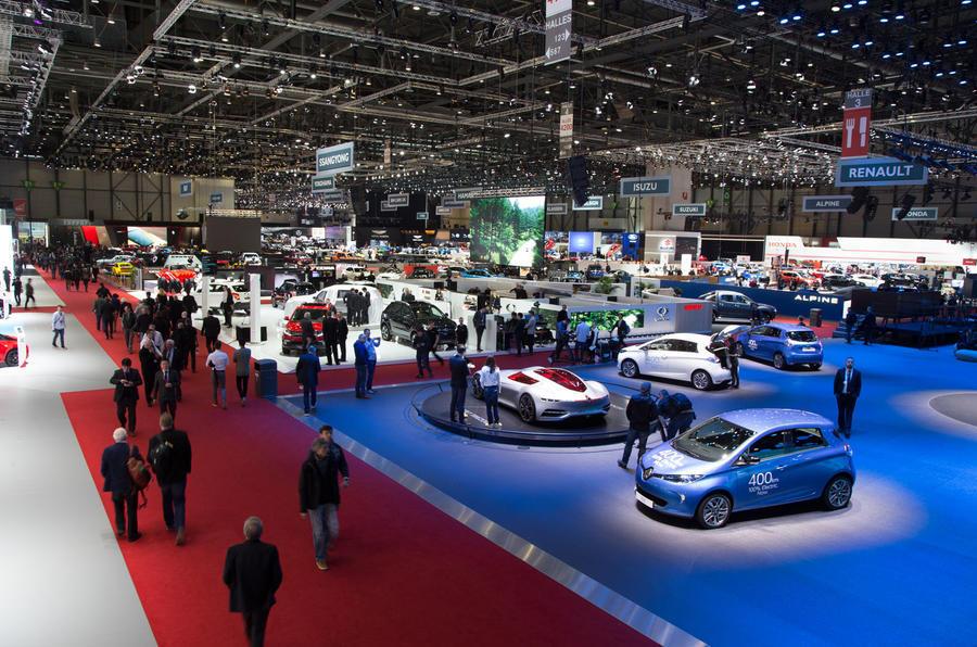 自吸911绝唱 VS 4门AMG GT,不能错过的日内瓦车展