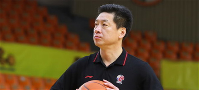 李春江:队员正逐渐适应总决赛,今晚会力拼对手