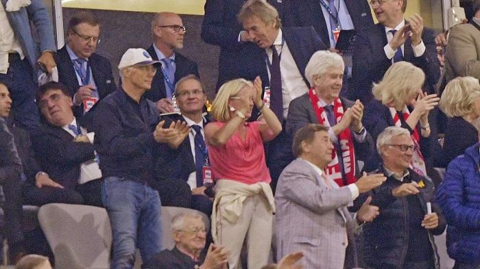 康复顺利!贝肯鲍尔现场观看拜仁欧冠半决赛