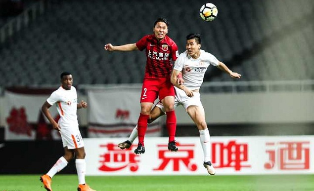 足协杯:奥斯卡伤退颜骏凌连扑两点,上港点球4-3人和