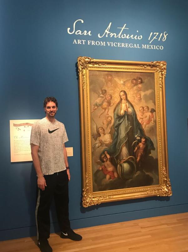 大加索尔发布自己参观圣安东尼奥艺术博物馆的照片
