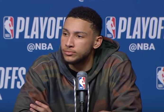 西蒙斯:有时比赛就是这么糟糕,我们依然在学习