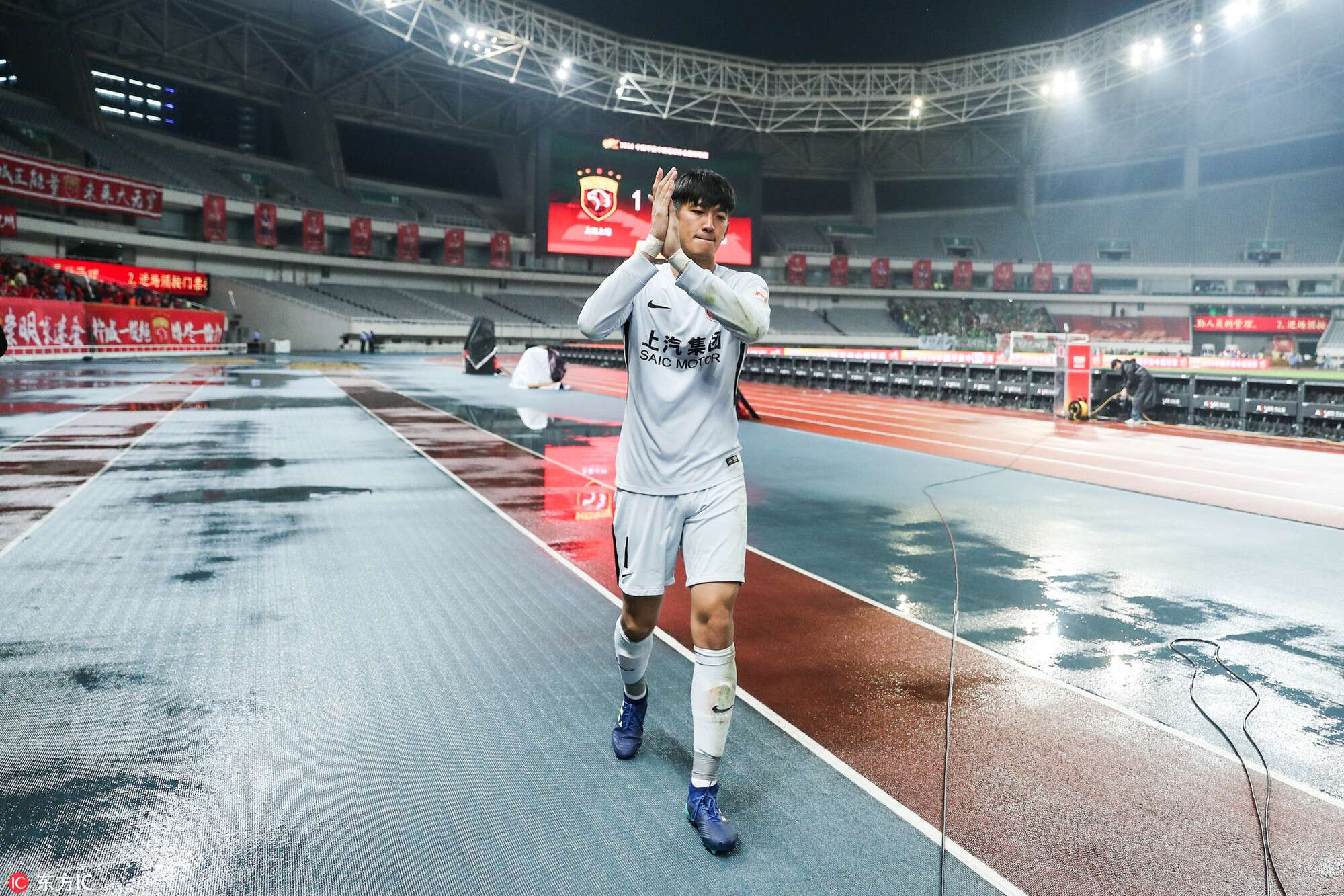 颜骏凌:两外援接连受伤带来困难,球队处于疲劳期