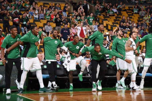 凯尔特人淘汰76人进入东部决赛,媒体发布动图致敬