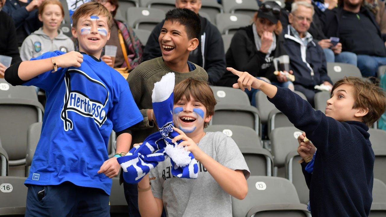 官方:柏林赫塔下赛季主场战,14岁及以下儿童免费入场