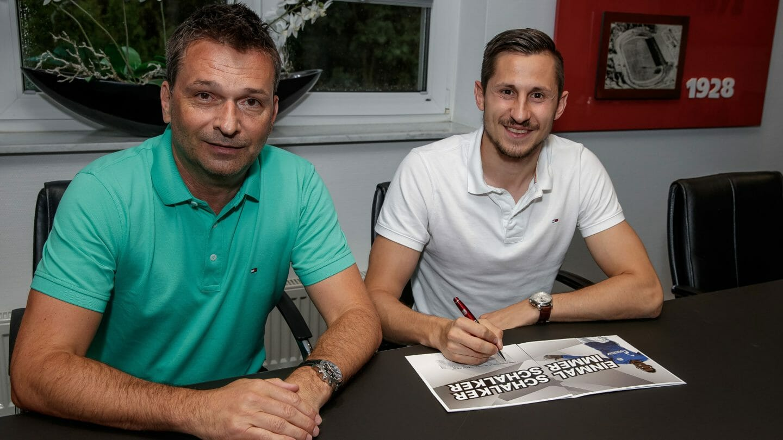 今夏第四签!官方:沙尔克签下柏林联盟攻击手