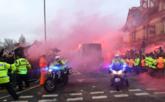 电讯报:利物浦或因球迷袭击曼城大巴被罚空场比赛