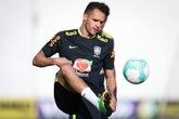 巴媒:奥古斯托缺席巴西队训练,伤情或较严重