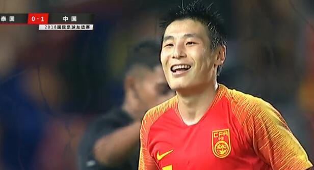 GIF:梅开二度!武磊内切破门,中国2-0泰国