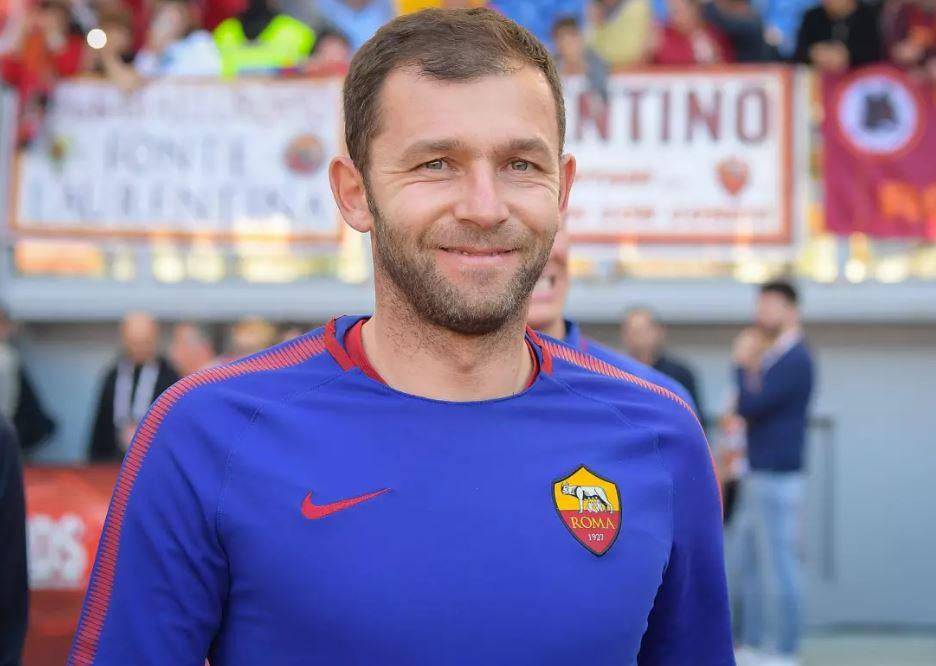 罗马门将洛邦特宣布退役,发信感谢球迷和俱乐部