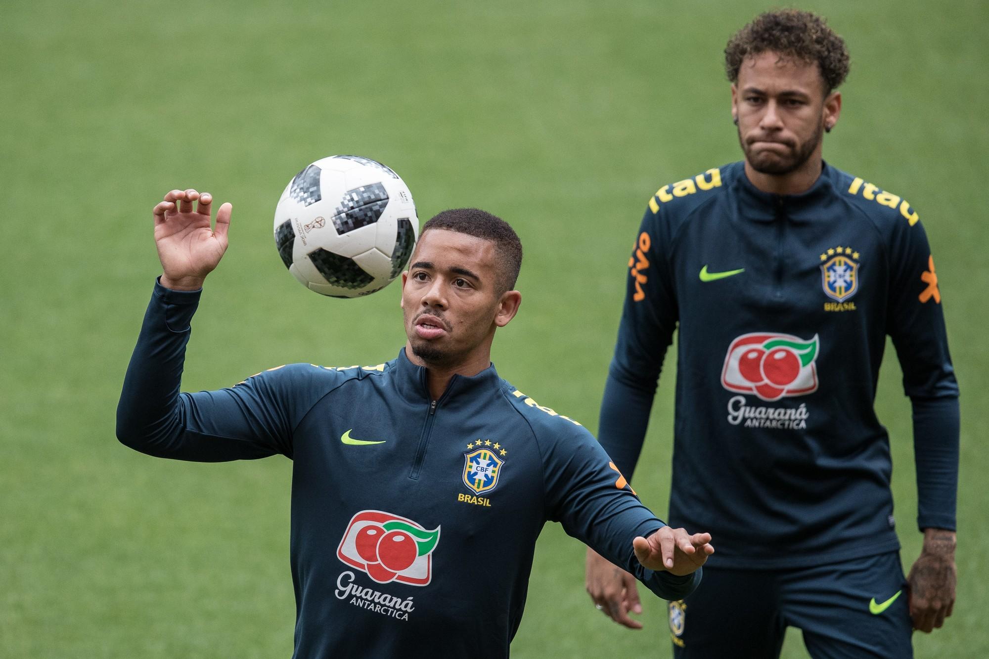 热苏斯将戴袖标,成为巴西近25年内最年轻队长