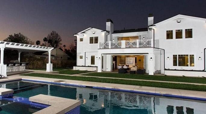 克拉克森花费320万美元在洛杉矶购买豪宅