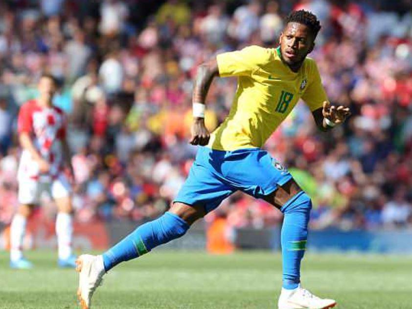 BBC:弗雷德离开巴西训练营,周一接受曼联体检
