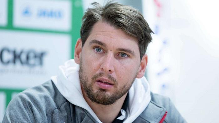官方:前球员黑尔默斯将在勒沃库森青训参加工作