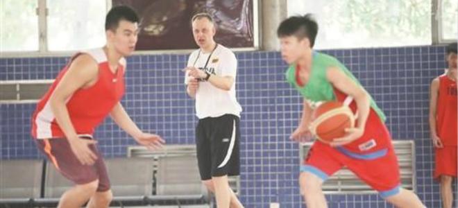 广东青年队外教:快攻要有质量,球队整体更为重要