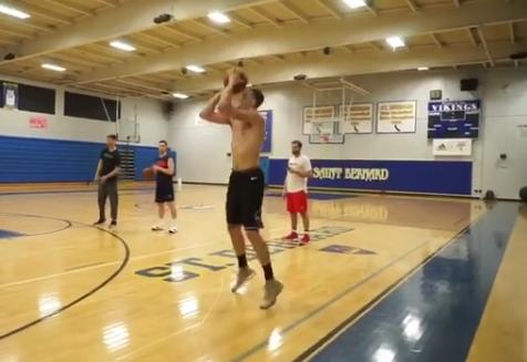 节奏如何?拉文发布自己练习急停三分跳投的视频