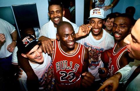 皮蓬晒旧照:没有什么比1991年首次夺冠更棒的了