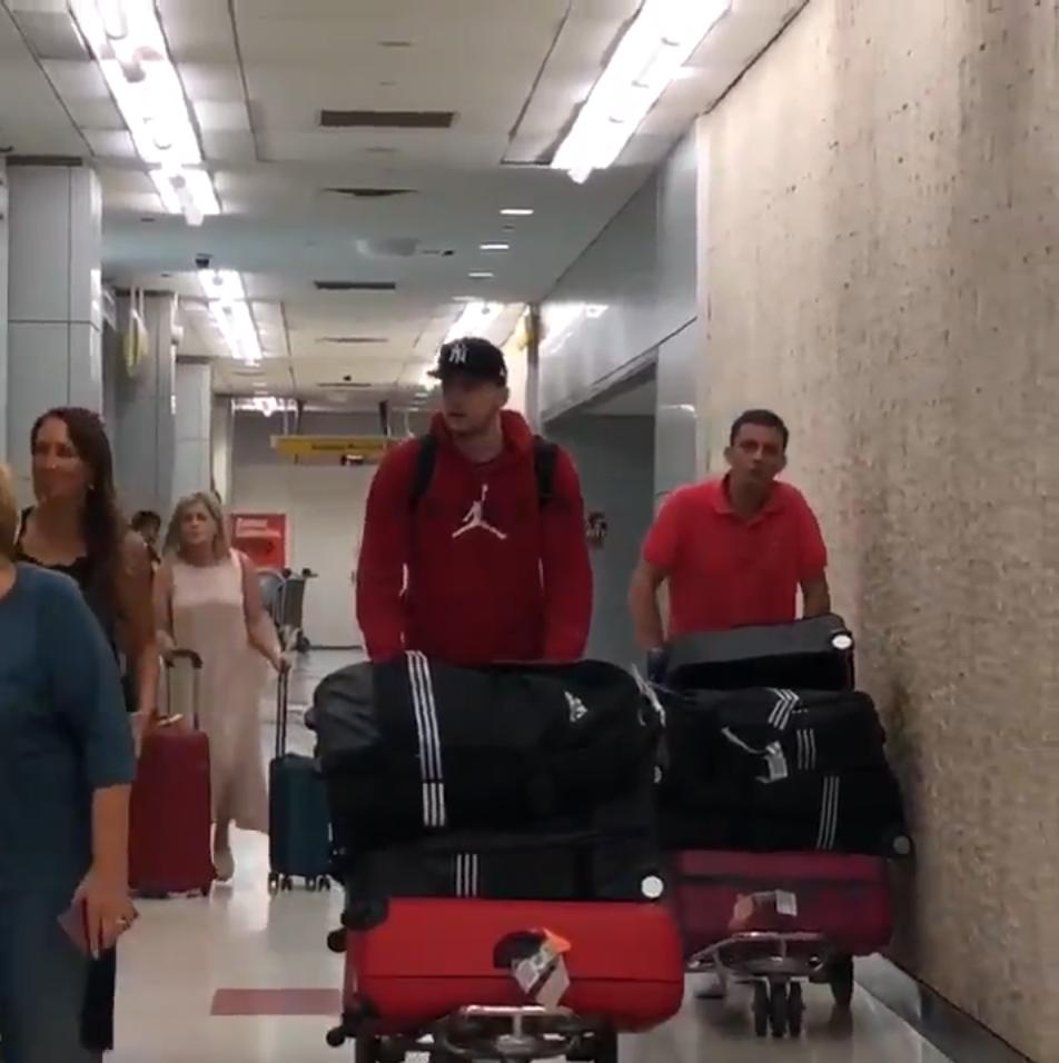 来了!NBA官方发布东契奇抵达纽约的视频