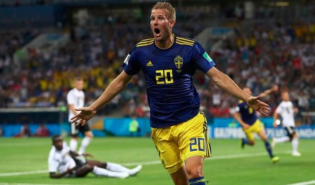 半场:克罗斯失误送礼托伊沃宁挑射破门,德国0-1瑞典