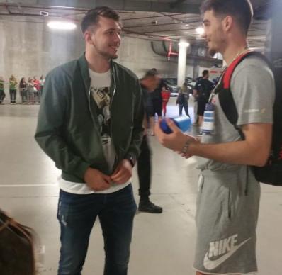 西班牙篮协展现埃尔南戈麦斯与东契奇合照