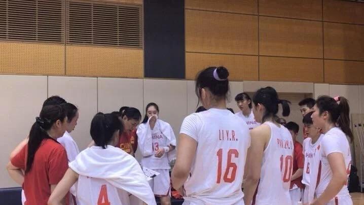 李月汝23+15,中国女篮热身赛再负日本