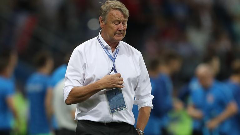 丹麦主帅:最好的三名点球手都罚丢了,为小舒梅切尔遗憾