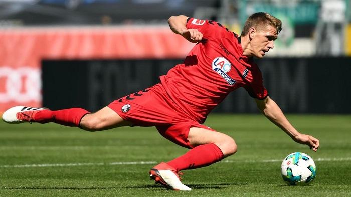 德国杯比赛被安排在周一,弗赖堡球迷不满:没办法现场看球了