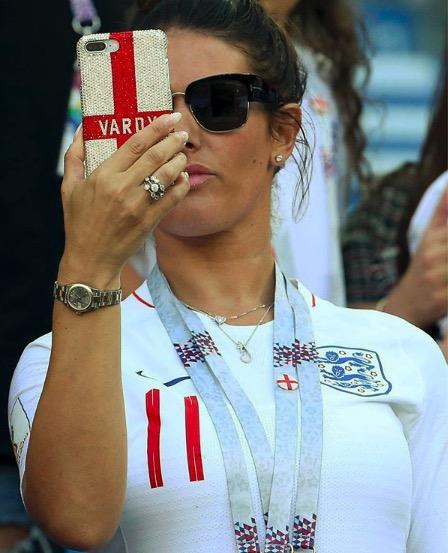 英格兰太太团被嘲讽长得丑,瓦尔迪妻子回击