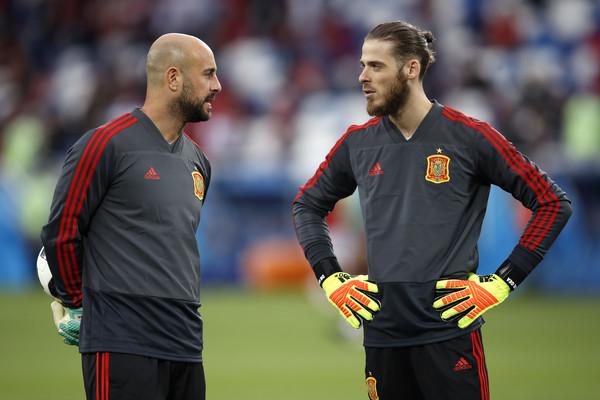 欧文:西班牙是不是应该换上雷纳来扑点球?