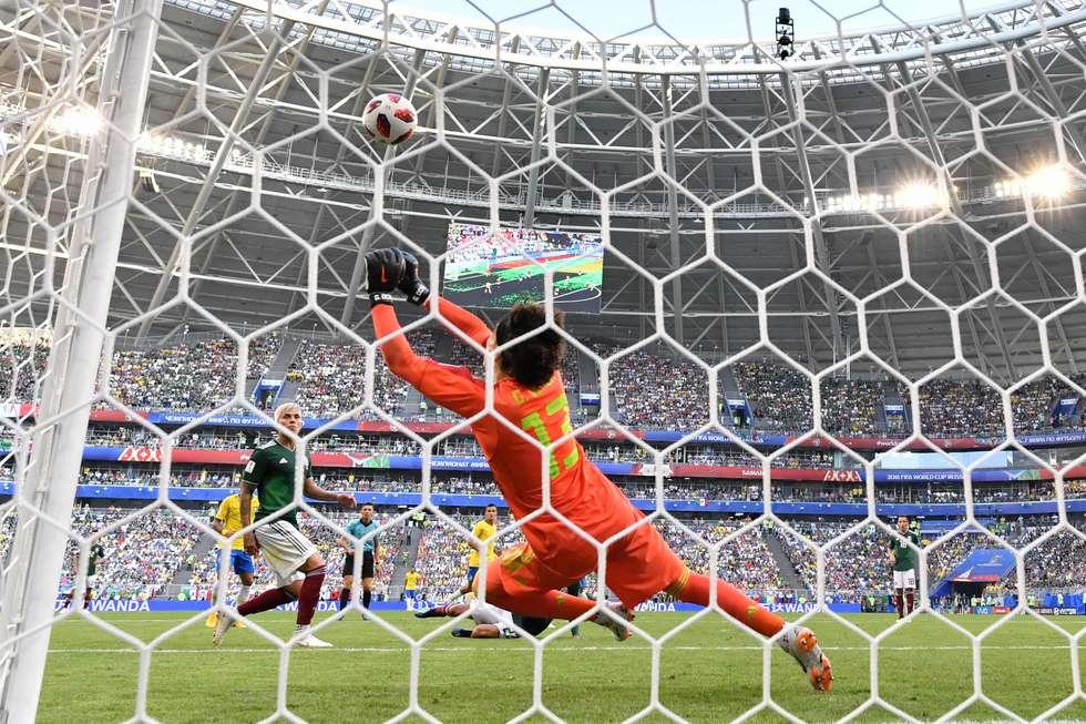 内马尔:奥乔亚是伟大门将,但我是巴西人,我永不放弃