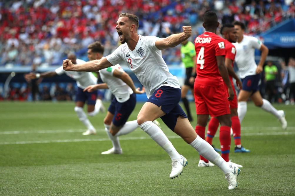 亨德森已保持28场国家队不败,英格兰队史最长