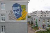 喀山的壁画师很忙!继梅罗之后,酒店又添内马尔壁画