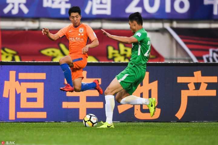 足协杯:王大雷拒单刀斯蒂夫失良机,贵州0-0鲁能