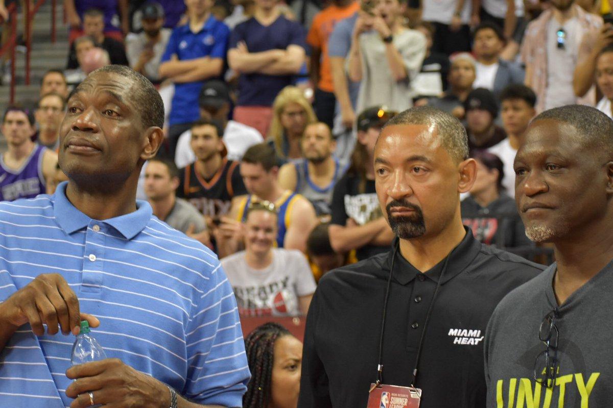 NBA官方晒穆托姆博、朱万-霍华德跟 威尔金斯不雅看夏联的照片