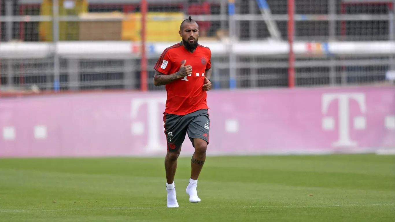 官方:拜仁中场比达尔伤后首次恢复跑步训练