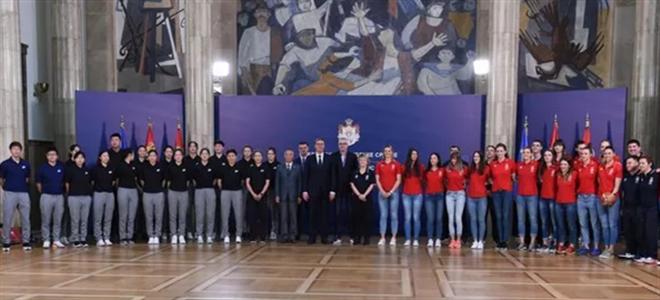 塞尔维亚总统接见上海女篮:篮球拉进我们的距离