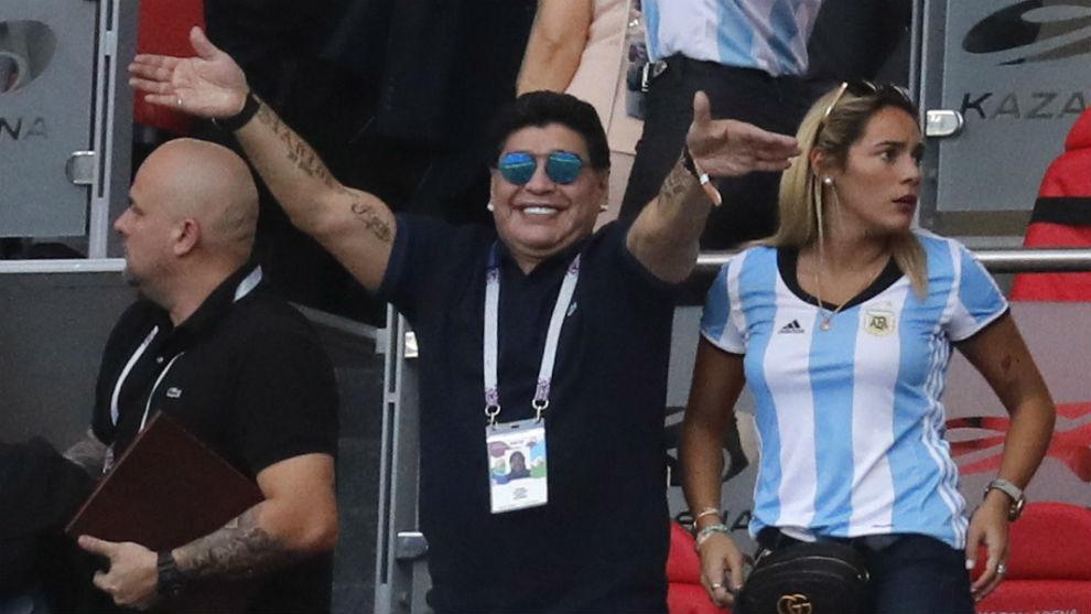 马拉多纳:阿根廷想要梅西做全部的事情