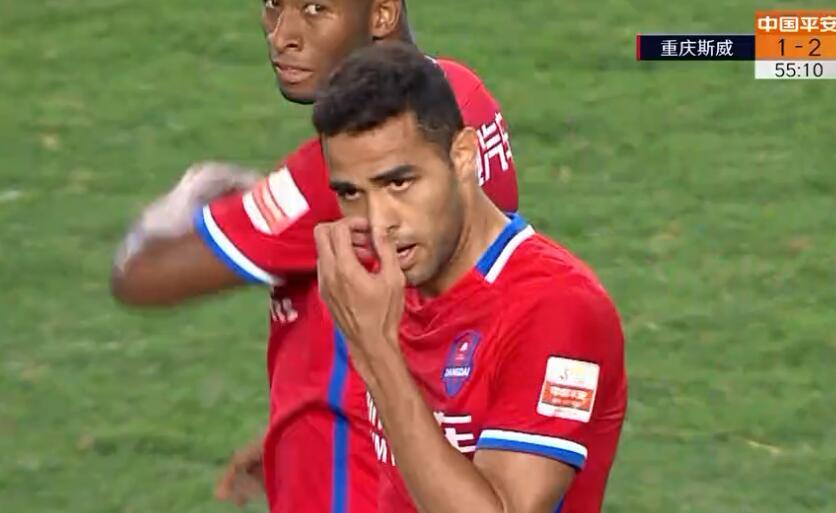 GIF:太逆天了!卡尔德克两分钟两球,重庆2-2贵州