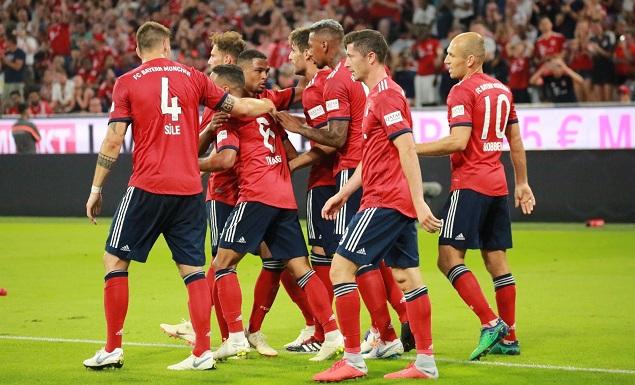 友谊赛:哈维-马丁内斯头球破门制胜罗本进球被吹,拜仁1-0曼联
