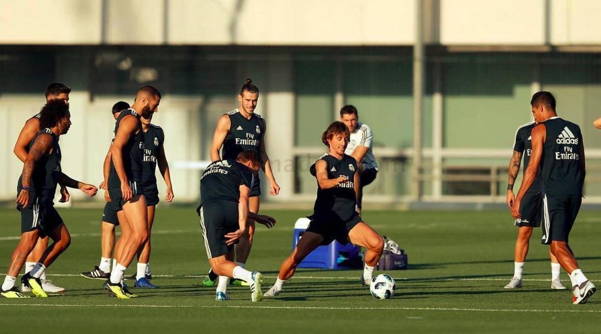 阿斯报:如果皇马为莫德里奇加薪,球员肯定会留队