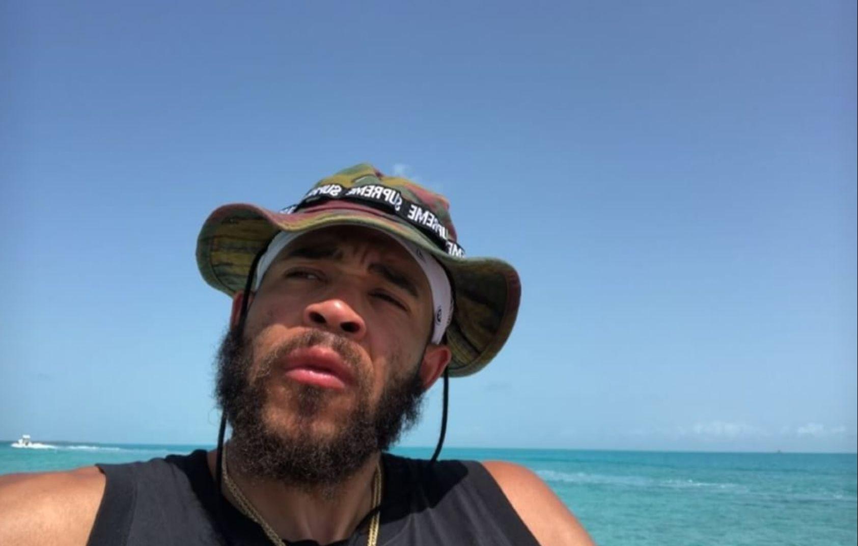 家庭时光!麦基与家人一起在巴哈马度假
