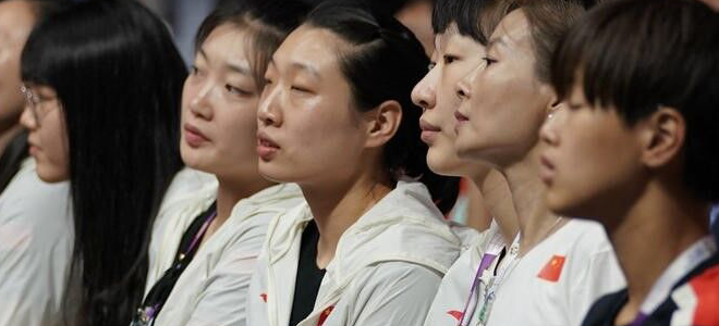 中国女篮众将现场观中菲大战